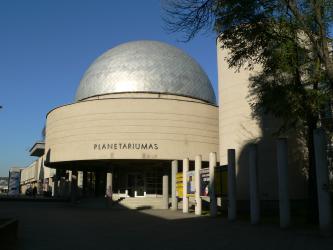 1978 -1979 metais pastatytas Planetariumas